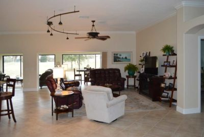 Lovely Lantana Living-room