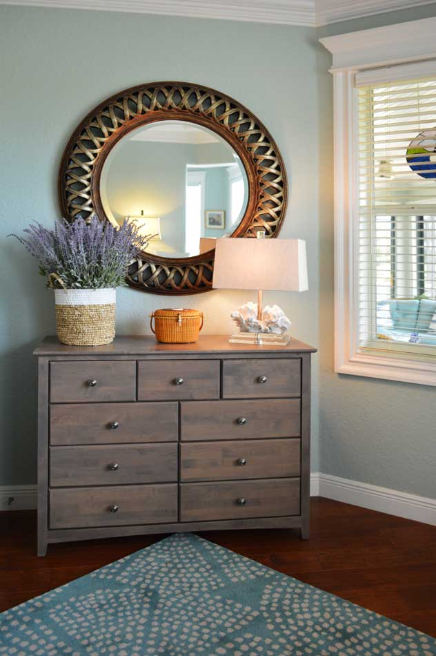 After, eight drawer chest for extra storage.