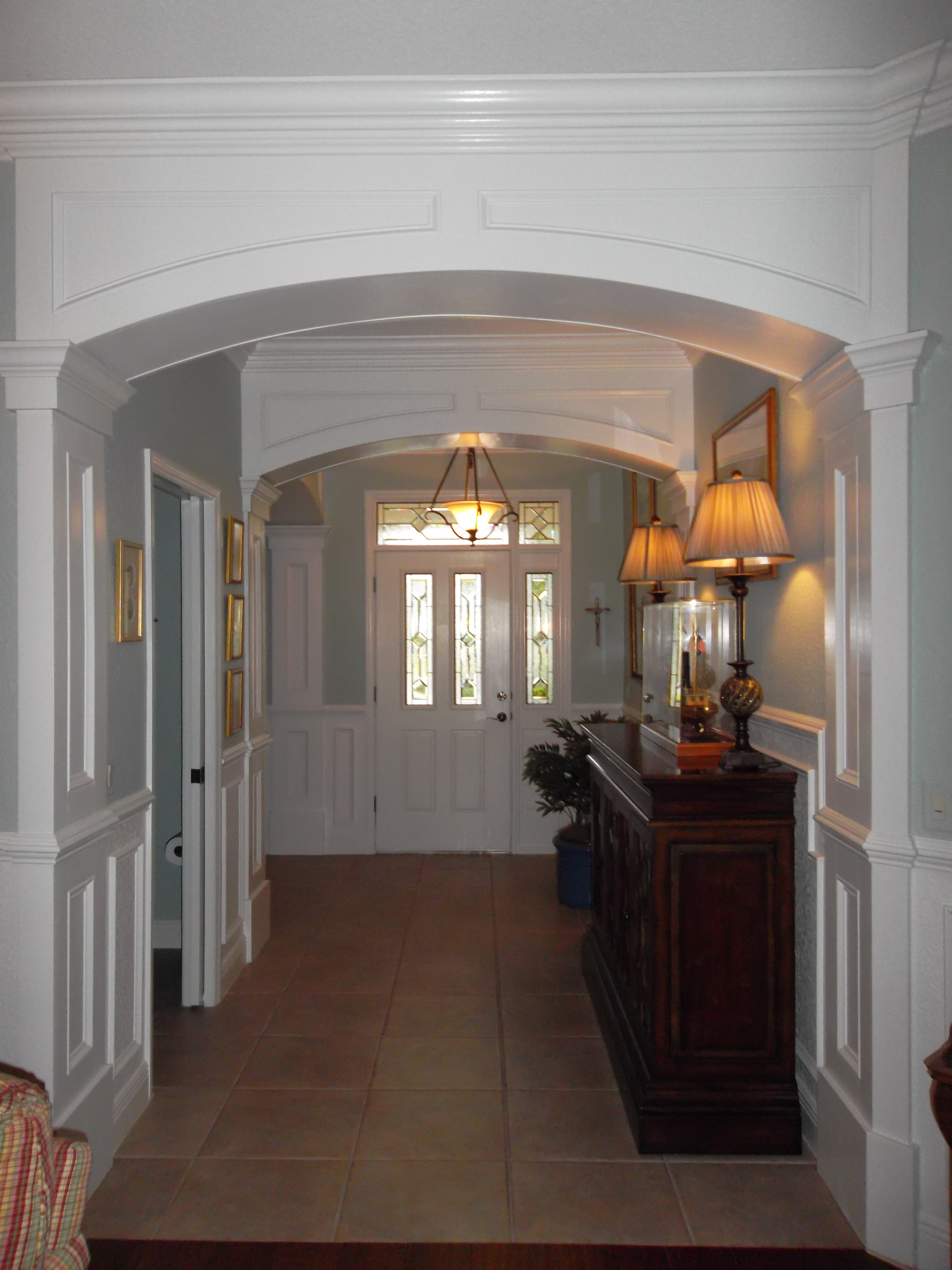Foyer mentioned in Grand Entryways.