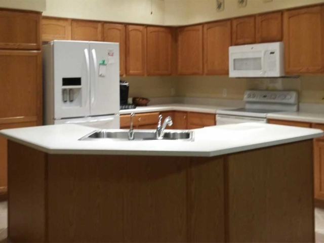 Before Image of Golden Oak Cabinets - Interior Design - Finishing Touch