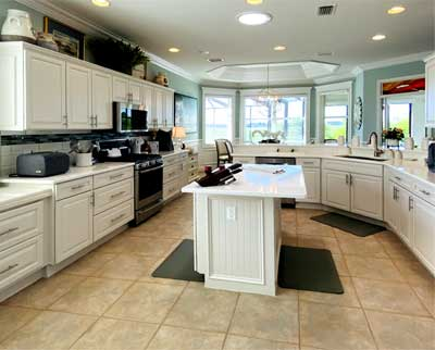 After Image of Bridgeport model - Looking to the Kitchen is Amazing and Bright! - Interior Design - in the Villages of Florida.