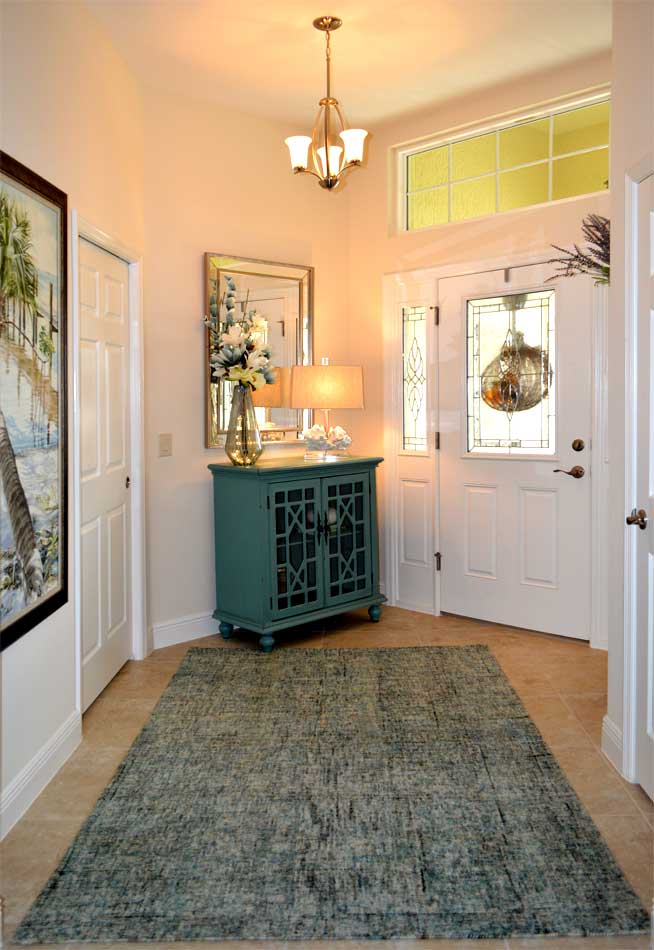 Iris model foyer - Villages of Florida - Interior Design - by Ruth Dyer