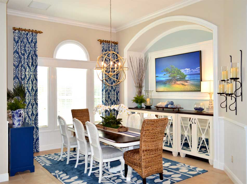 Window treatments and molding behind the picture - Interior Design - Home Décor by Ruth Dyer.
