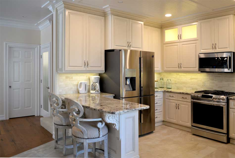 Cabinets to the ceiling and the bead board on the ceiling - Interior Design - in the Villages of Florida.